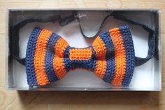 Crochet Bowtie: free pattern (use Google translate)
