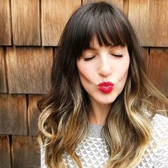 35 modern medium hairstyles with bangs for a new look 27 Bangs With Medium Hair, Medium Hair Styles, Curly Hair Styles, Hairstyles With Bangs, Pretty Hairstyles, Ombre Hair Color, Red Ombre, Balayage Hair, Balayage With Fringe