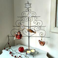 stromek+-+dráťák+drátovaný+strom+s+keramickou+hvězdou+cena+bez+dekorací+,+ty+zakoupíte+v+Ateliéru+Míša+a+u+Ivčistovickové+Má+spodníspodní+úložnou+plochu+velikosti+14+cm+výška+52,5+cm+spodní+větve+42+cm+mezi+patry+10+cm+stromeček+je+ošetřen,+přesto+doporučuji+vnitřní+prostory+a+před+uskladněním+doporučuji+promazat-+návod+na+údržbu+přiložen+...+metudka