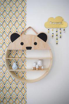 cadeau de naissance fille étagère en forme de tête d'ourson pour mettre les affaires et des objets déco
