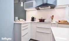 #proyectoenamorados #iloftyou #interiordesign #barcelona #lowcost #catalunya #ikea #ikeaaddict #kitchen #cocina #veddinge #silestone #white #tolix #faroiluminacion #nespresso #parquet #nan #campanadecorativa