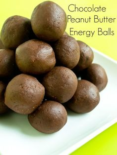 Chocolate peanut butter energy balls are an easy snack ball recipe that's gluten-free, healthy and tastes like fudge! Try these in place of your usual desserts or as a protein-pick-me-up. Healthy Sweets, Healthy Snacks, Healthy Recipes, Happy Healthy, Snacks Recipes, Keto Snacks, Healthy Kids, Free Recipes, Recipies