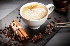 Latte Art Kurs in Berlin – Milchkaffee mit Kaffeebohnen