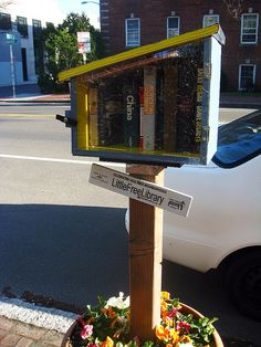 Little Free Library on Cambridge Street. DiscoverMidCambridge.com