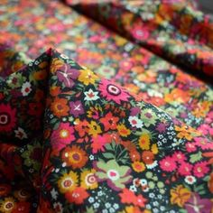 We offer a range of fabrics to buy online which are suitable for your dressmaking requirements. Take a look at our craft and quilting fabrics today. Liberty Art Fabrics, Liberty Print, Fabric Suppliers, Fabulous Fabrics, Linen Fabric, Fabric Crafts, Print Patterns, Cord, Retro Vintage
