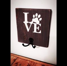 Dog leash holder - rustic reclaimed wood dog collar holder - wall mounted dog leash hook - dog leash hanger - dog accessories by palletinspirations on Etsy (null)