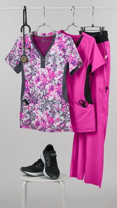 Healing Hands scrubs are now available at Uniform Advantage! Shop today for high quality scrubs such as Purple Label scrubs. scrubs and performance Sport. Cute Nursing Scrubs, Cute Scrubs, Nursing Clothes, Yoga Scrub Pants, Scrubs Pattern, Scrubs Outfit, Scrub Jackets, Medical Uniforms, Medical Scrubs