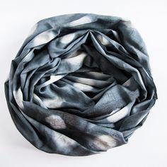 fluffiges Halstuch japanische Shibori-Färbung von skjarprints  Shibori scarf handmade DIY