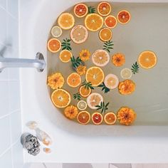 It's called citrus dip, and it's totally a thing! 🍋🛀 If you're looking to add more moments of self-care to your life, dedicate bath time to indulge a little. Try this lemon bath ritual with uplifting citrus to unwind. Planners, Bath Photography, Boho Home, Milk Bath, Bath Water, New Energy, Mellow Yellow, Bath Time, Belle Photo