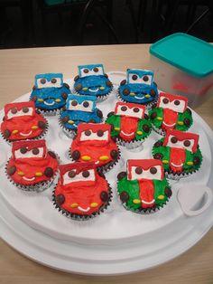 Cars 2 cupcakes: Lightning McQueen, Finn McMissile, Francesco Bernoulli