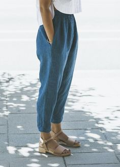 outfit ideas Denim Pants Outfit, Summer Pants Outfits, Black Pants Summer, Casual Summer Outfits Comfy, Black Trousers Outfit Casual, Blue Pants, Summer Denim, Trouser Outfits, Comfy Casual