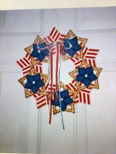 Plastic Canvas Star and Stripes Wreath - plastic canvas