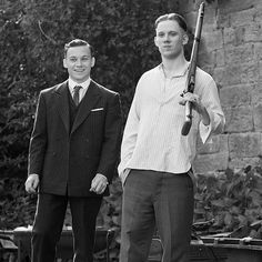 Continue to watch Peaky Blinders tonight, BBC Here's a photo of John Boy standing next to a cardboard cut out of Michael. Finn Cole, Joe Cole, John Shelby Peaky Blinders, Michael Peaky Blinders, Peeky Blinders, Miss Fisher, Shelby Brothers, Peaky Blinders Wallpaper, John Boy