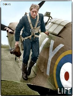 P/O A. G. Lewis DFC - Hurricane Mk.1 (VY-R) P2923 - 85 Squadron RAF, Castle Camps, July 1940 https://www.facebook.com/393166910813107/photos/a.393169424146189.1073741828.393166910813107/727358624060599/?type=1&theater