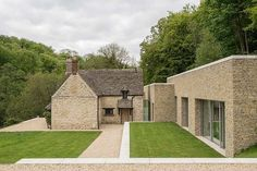 Private House, Cotswolds - Modern - Exterior - old and new Style At Home, Farmhouse Design, Modern Farmhouse, Residential Architecture, Architecture Design, Barn Renovation, Property Design, Mediterranean Homes, Stone Houses
