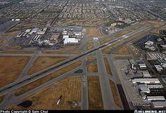 Long Beach Airport overview. Terminal is at the upper left part of the picture. C17 and B717 is built in Long Beach!