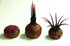 Andrea Graham's lastest PODS are whimsical, colorful creatures exuding an organic beauty. Textile Sculpture, Textile Fiber Art, Soft Sculpture, Fabric Birds, Felt Fabric, Needle Felting Tutorials, Felt Birds, Felted Slippers, Felt Cat