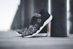 Adidas Sneakers, Sport, Fashion, Moda, Deporte, Fashion Styles, Sports, Fashion Illustrations