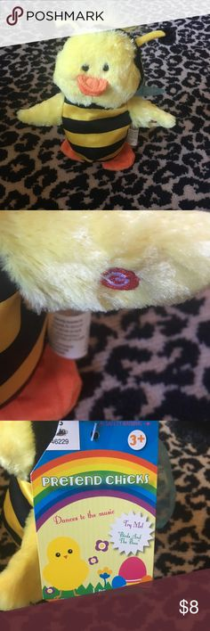 """NWT adorable Singing Bee toy """"birds and the bees"""" NWT Singing Bee toy.  Color Yellow /Black.  Press hand ant bee sings The """"Birds and the Bees """". Adorable. Accessories"""