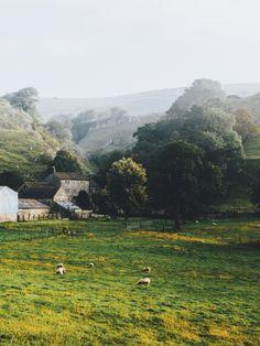 DANIEL CASSON Chrome Hill, England