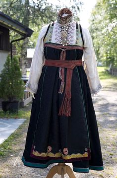 Folk Costume, Costumes, Traditional Clothes, Aprons, Norway, That Look, Victorian, Vintage, Dresses