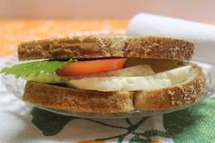La dieta del bocadillo - http://www.efeblog.com/la-dieta-del-bocadillo-18092/  #Dietasynutrición, #Enforma #Dieta, #PanIntegral, #TéVerde, #TonoMuscular