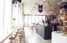 GRAZ TIP - One of the cutest places to visit in Graz: Kunsthauscafe | www.juyogi.com