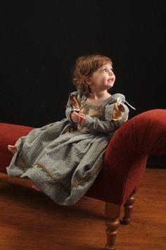 Renaissance Gown Custom Princess Heirloom Girls par nellicarave, $299.00