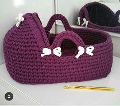 41 Ideas Crochet Basket For Toys Yarns Crochet Doll Clothes, Crochet Dolls, Crochet Yarn, Knitting Yarn, Crochet Stitches, Baby Knitting, Crochet Patterns, Crochet Home, Crochet Gifts