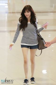 Classic Stripes Top Fashion of Snsd Tiffany Snsd Airport Fashion, Snsd Fashion, Pop Fashion, Asian Fashion, Daily Fashion, Girl Fashion, Girls' Generation Tiffany, Girls Generation, Tiffany Girls