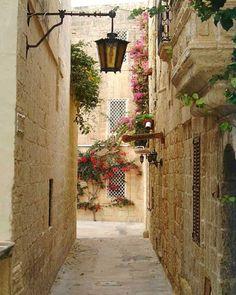 Narrow streets in Mdina, Malta