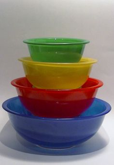 Vintage Pyrex Primary Mixing Bowl Set - 1940\'s | Mixing bowls, Bowls ...