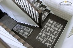 New Wooden Stairs Diy Staircase Makeover Ideas Stair Runner Carpet, Staircase Design, Foyer Decorating, Staircase, Diy Ceiling, Diy Staircase, Staircase Makeover, Split Foyer, Stairways