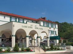 Lake Lure Inn~cool place to stay.