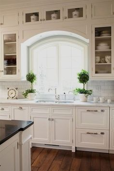10 Stylish Ideas for Decorating Above Kitchen Cabinets | Ideas for on