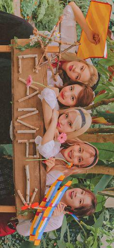 Nayeon, K Wallpaper, Aesthetic Iphone Wallpaper, Kpop Girl Groups, Kpop Girls, Twice Group, Fandom Kpop, Twice Album, Photoshoot Bts