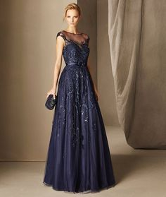 Boal - Vestido de fiesta corte bajo, en tul con bordado y pedrería