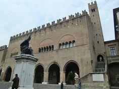 Palazzo del Podestà_Piazza Cavour_Rimini by Turismo Emilia Romagna, via Flickr