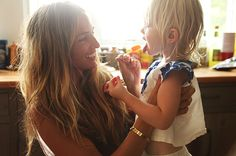 LOooOVE theglow.com - so many great pictures of stylish moms and their kids