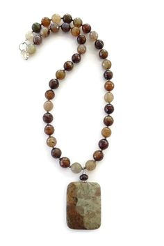 "Agate pendant with quartz beads, 20"" Necklace 