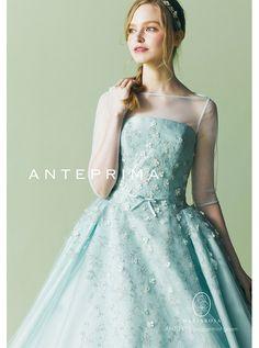 アクア・グラツィエがセレクトした、ANTEPRIMA(アンテプリマ)のウェディングドレス、ANT0115をご紹介いたします。