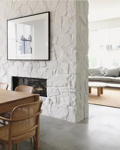 21 House Decoration To Inspire Your Ego fireplace stone fireplace decor casas Home Fireplace, Fireplace Design, Fireplace In Dining Room, Stone Interior, Interior Design Kitchen, Modern Interior, Painted Stone Fireplace, Painted Rock Fireplaces, Inset Fireplace