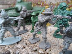 Vintage plastic toy soldiers 1980's vintage by EmpireAntiques