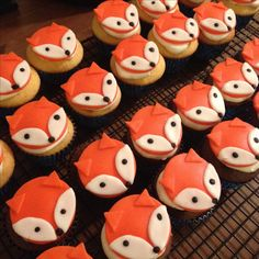 Fox Fondant Cupcake Toppers Plus Fondant Cupcakes, Fondant Toppers, Cute Cupcakes, Cupcake Cookies, Valentine Cupcakes, Pink Cupcakes, Fox Cookies, Fox Party, Animal Party