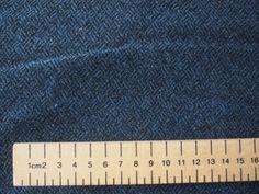 Lainage de poids moyen  Ce tissu peut être assorti aux autres tissus de mon site, n'hésitez pas a m'envoyer un message si vous voulez voir ce velour en photo avec d'autres tiss - 4018605