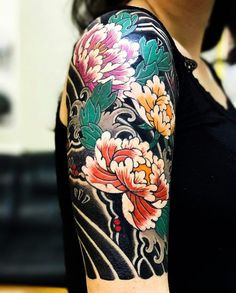 "3,229 Likes, 12 Comments - Japanese Ink (@japanese.ink) on Instagram: ""Japanese half-sleeve tattoo by @horimitsu. #japaneseink #japanesetattoo #irezumi #tebori…"""