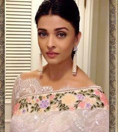 Aishwarya Rai: Latest Saree Blouse Designs sure to Amaze You'. In Pic: OMG in Broad Boat Neck Blouse In Lace With Uncut Edges, w/ floral Tarun Tahiliani saree; earrings gorg too (in Indian Saree Fashion @ via Blouse Back Neck Designs, Saree Blouse Designs, Latest Saree Blouse, Latest Sarees, Tarun Tahiliani, Stylish Sarees, Aishwarya Rai, Aishwarya Photo, L'oréal Paris