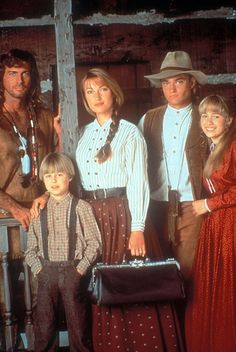 Dr. Quinn Medicine Woman Joe Lando as: Byron Sully, Jane Seymour as: Dr. Mike Quinn, Chad Allen as: Matthew Cooper, Erika Flores as: Colleen Cooper, Shawn Toovey as: Brian Cooper.