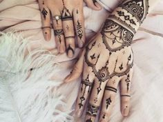 Are you looking for some fascinating design for mehndi? Or need a tutorial to become a perfect mehndi artist? Mehandi Designs Images, Mehndi Designs For Kids, Simple Arabic Mehndi Designs, Henna Designs, Pakistani Mehndi Designs, Mehendi, Tattoos, Easy, Henna Art Designs