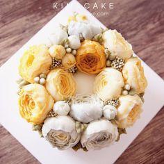Peony #bakingclass#buttercream#cake#baking#수제케이크#weddingcake#버터크림케이크#꽃#flowers#buttercake#플라워케이크#wedding#버터크림플라워케이크#specialcake#birthdaycake#flower#장미#rose#디저트#케이크#cupcake#dessert#food#beautiful#부케#bouquet#instacake#꽃스타그램#flowercake#peony @yoon2222222